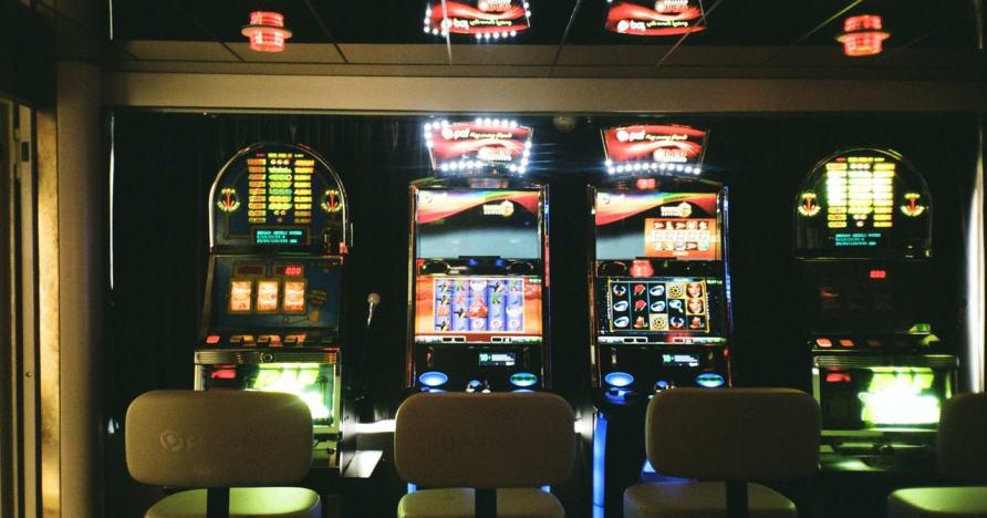 Slots trực tuyến trực tuyến: Tại sao chúng là tương lai của cờ bạc trực tuyến