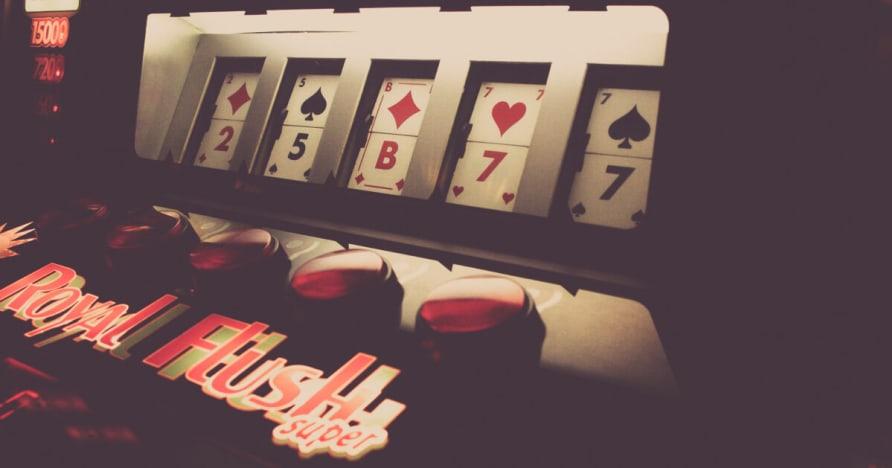 Một cá nhân Live Dealer Casino Studios & Bàn xét