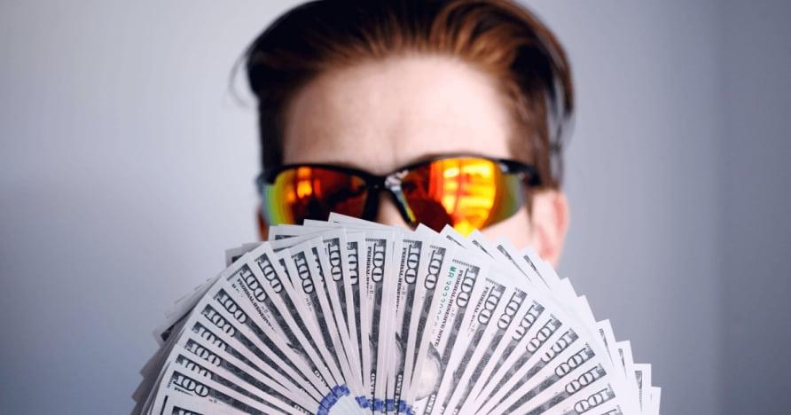 Về Texas Holdem Poker