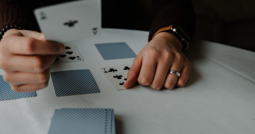 RNG Blackjack Vs. Người chia bài trực tiếp Blackjack